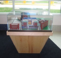Childrens_Hospital_Display_Case_01